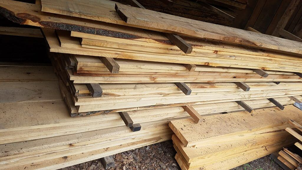 Rough cut kiln dried pine lumber