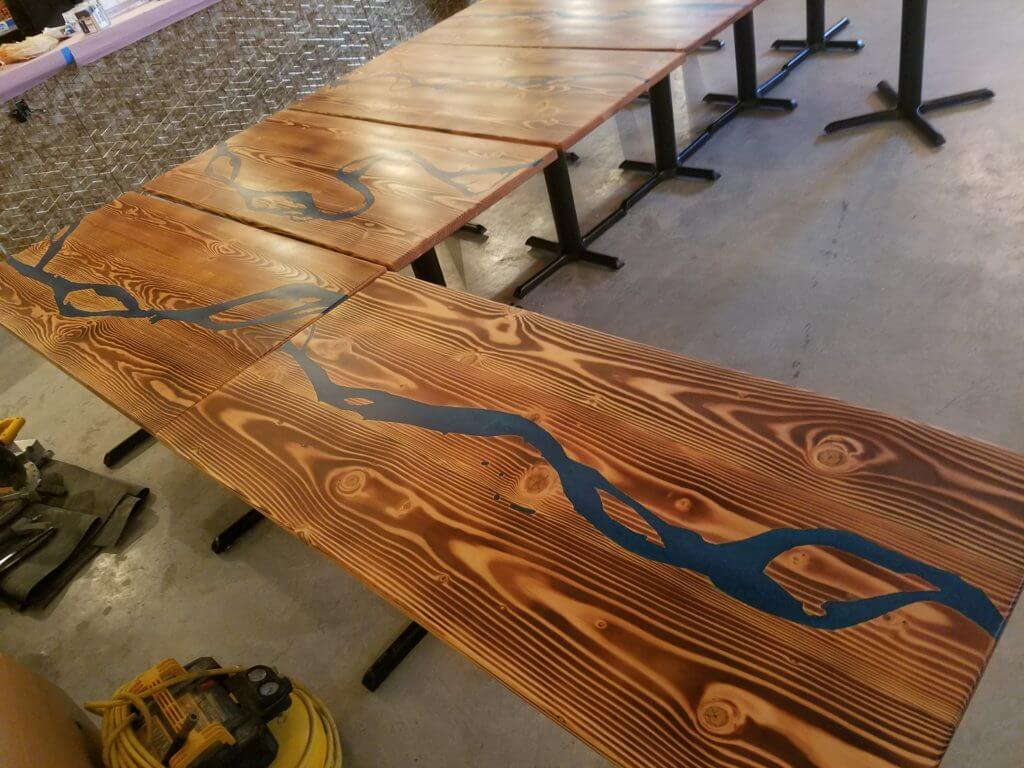 epoxy pour tables